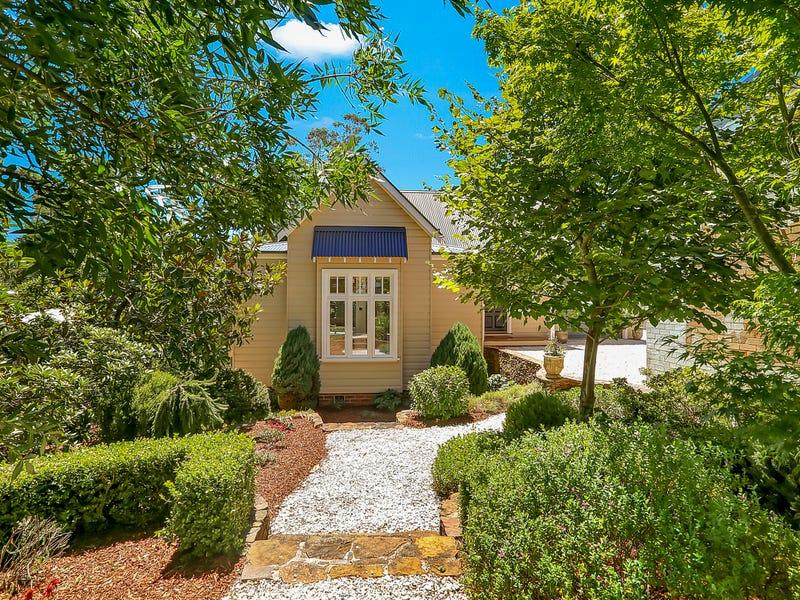 102-104 Govetts Leap Road, Blackheath, NSW 2785