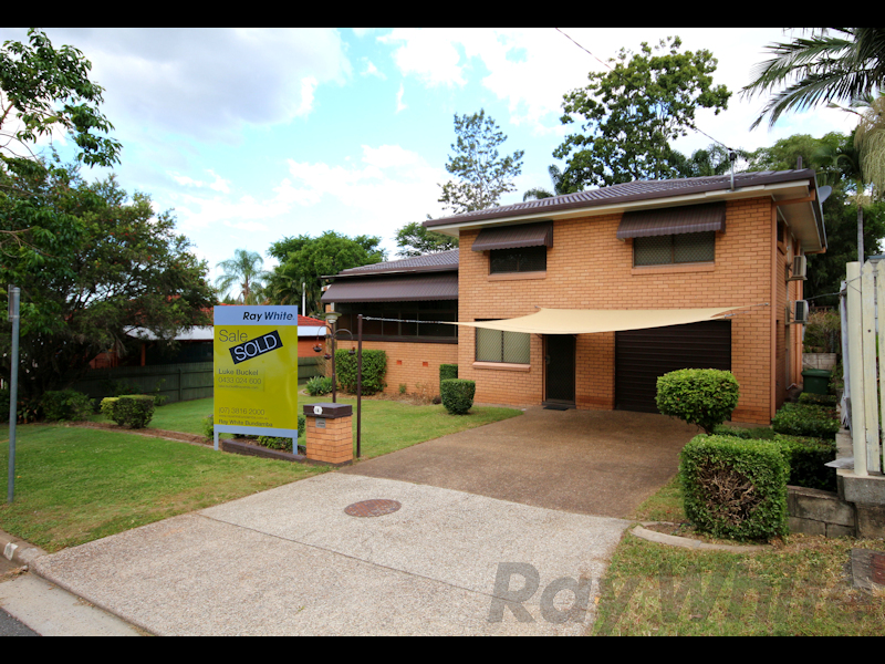 18 Horan Street, Woodend, Qld 4305