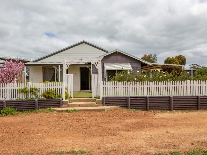 13 Walkey Close, Bejoording, WA 6566