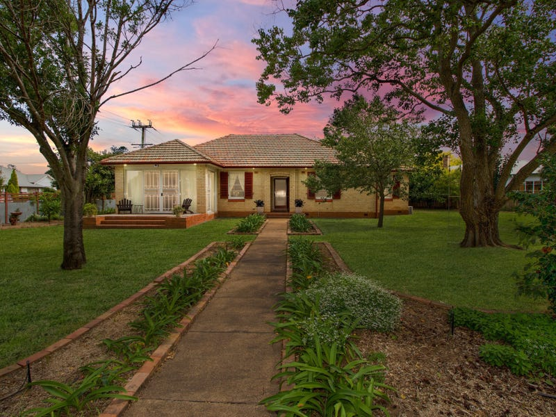 25 Bourke St, Singleton, NSW 2330