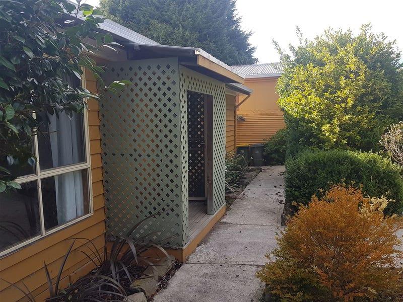 24 Douglas Street, Beaconsfield, Tas 7270