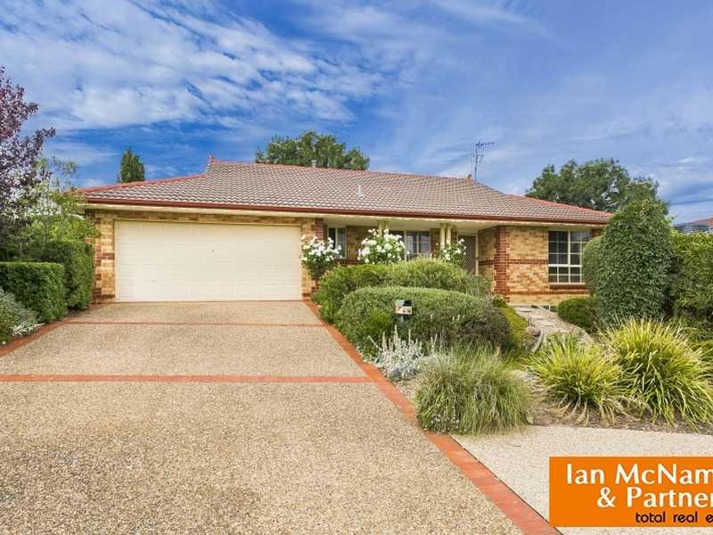 2 Laurel Place, Jerrabomberra, NSW 2619