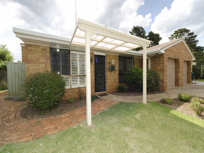2/8 Highfields Road, Highfields, Qld 4352