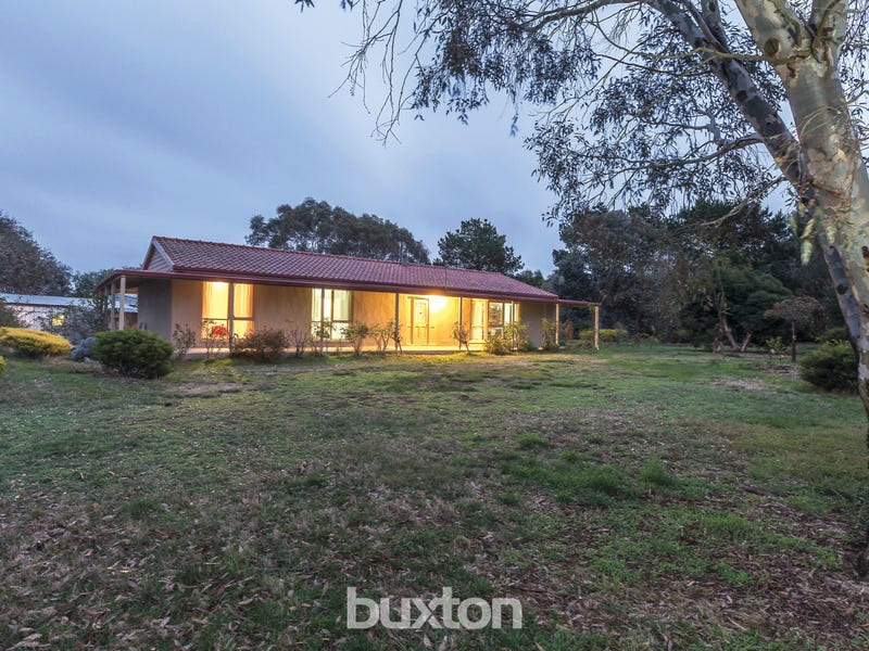 303 Haddon School Road, Haddon, Vic 3351