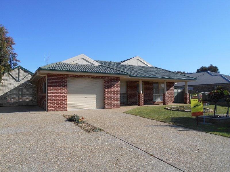14 Alexander Avenue, Berrigan, NSW 2712