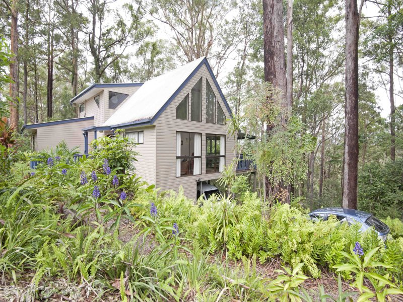 98 Towen Mountain Road, Towen Mountain, Qld 4560