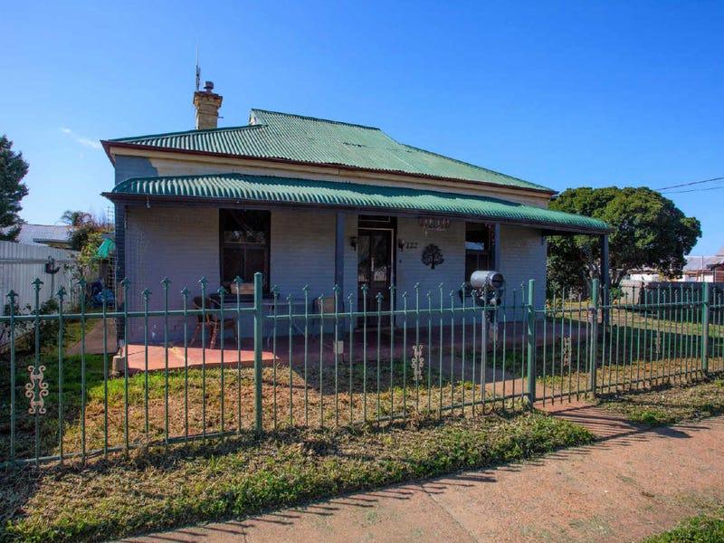 122 Arthur Street, Wellington, NSW 2820