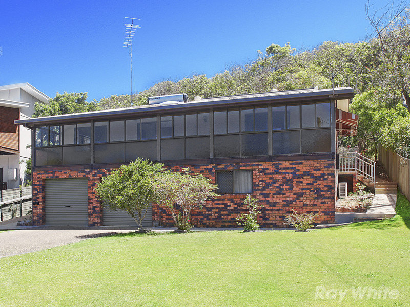 1580 David Low Way, Point Arkwright, Qld 4573