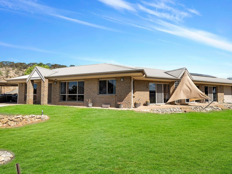 1608 East Front Road, Younghusband