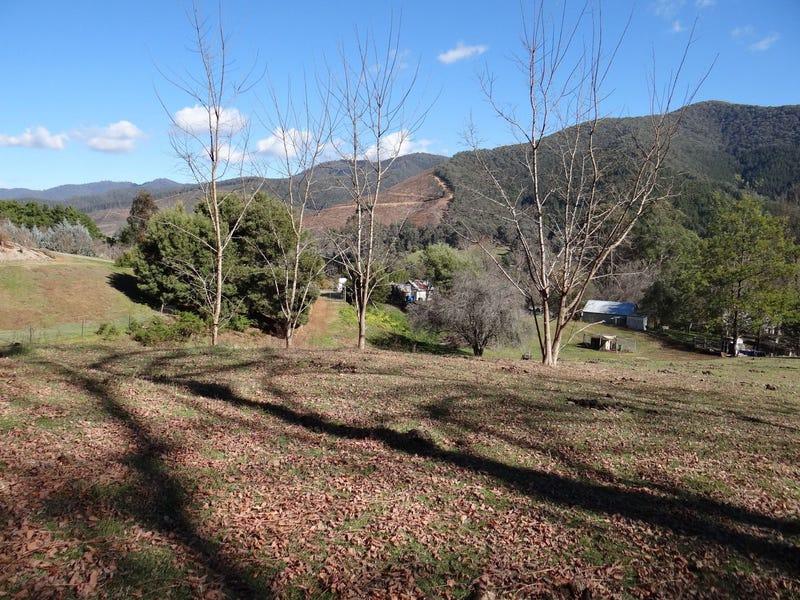 CA 17 School Road, Wandiligong, Vic 3744