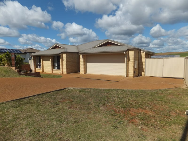13 HERITAGE DRIVE, Childers, Qld 4660