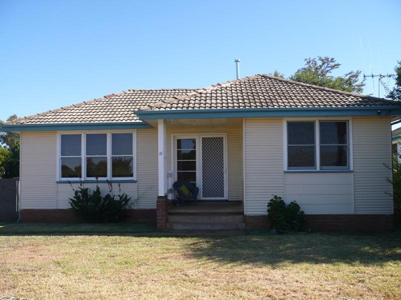 16 Dawson Street, Forbes, NSW 2871