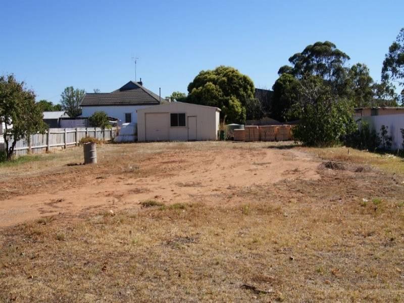 63 Wollamai Street, Finley, NSW 2713