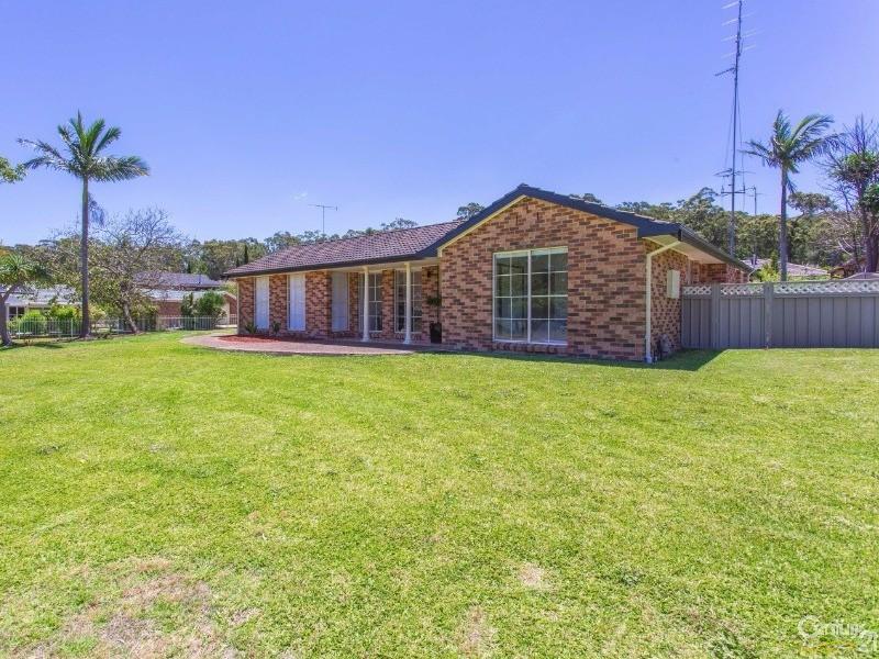 37 Parklea Avenue, Croudace Bay, NSW 2280