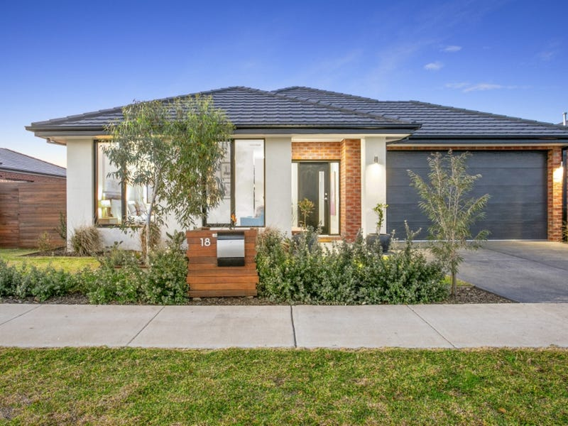 18 Ackland Street, Armstrong Creek, Vic 3217