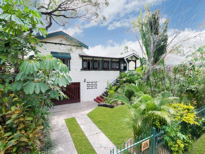 22 Cairns Street, Cairns North, Qld 4870