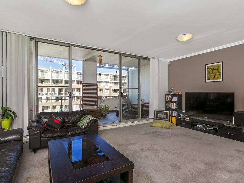 608/1 Stromboli Strait, Wentworth Point