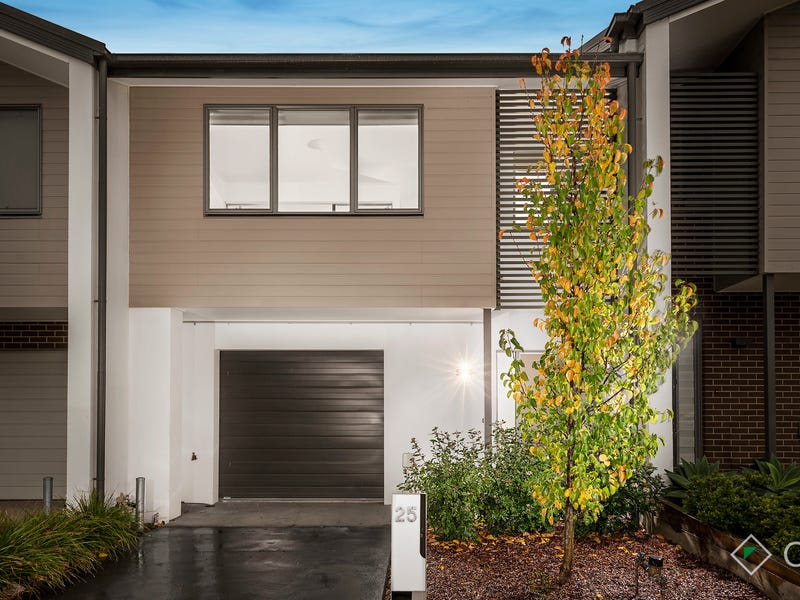 25 Reflection Drive, Wantirna South