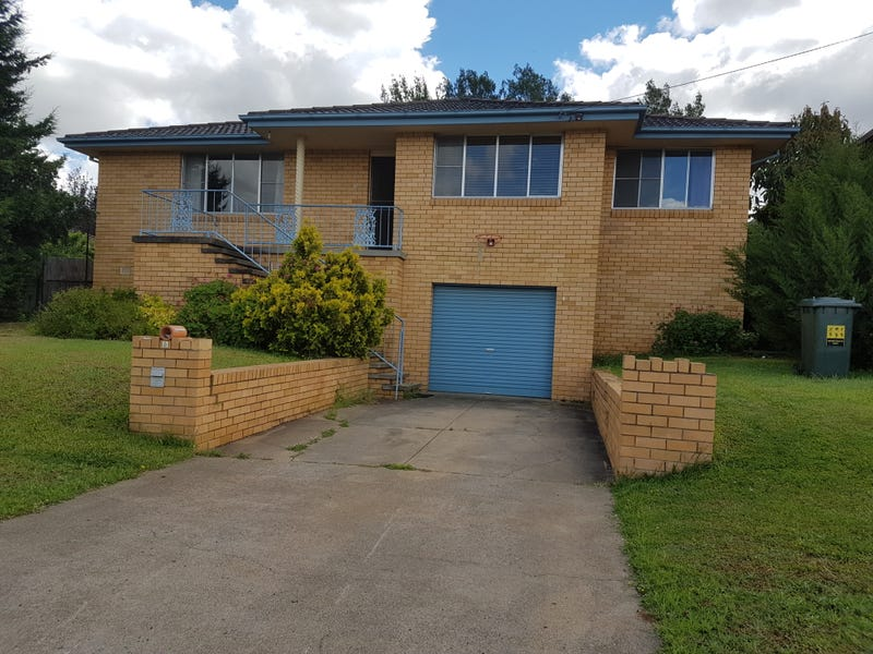 2 Carmichael Ave, Tamworth