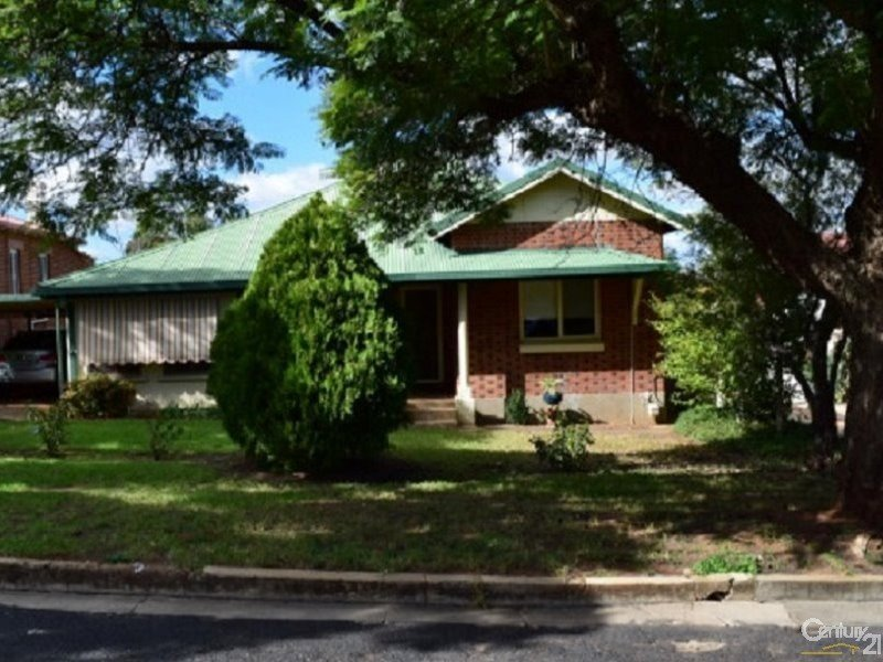 39 East Street, Parkes, NSW 2870