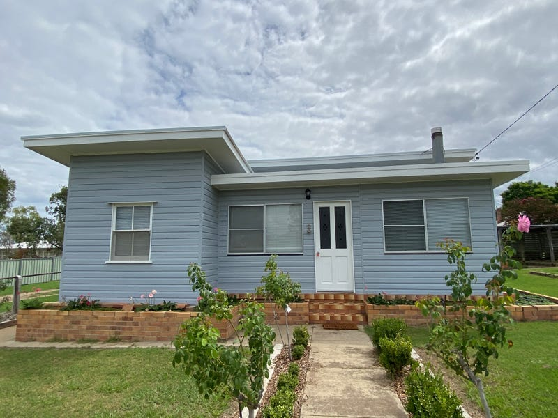 8 Greenup Street, Texas, Qld 4385