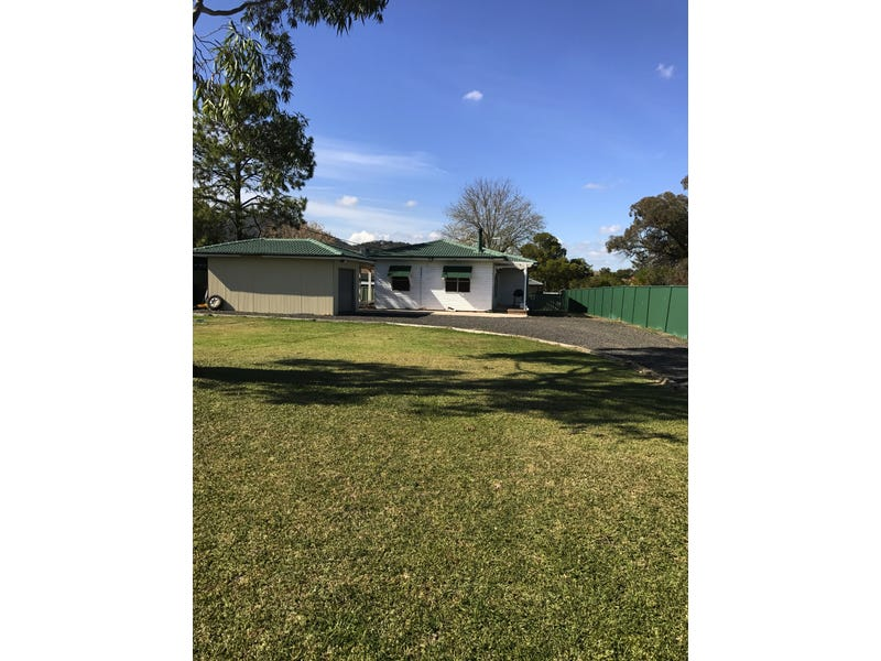 80 Scott St, Scone, NSW 2337
