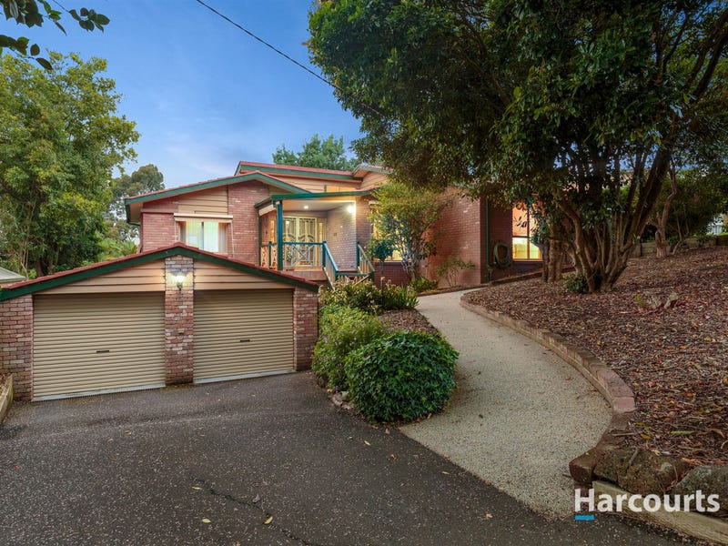 10 Churchill Park Drive, Lysterfield South, Vic 3156