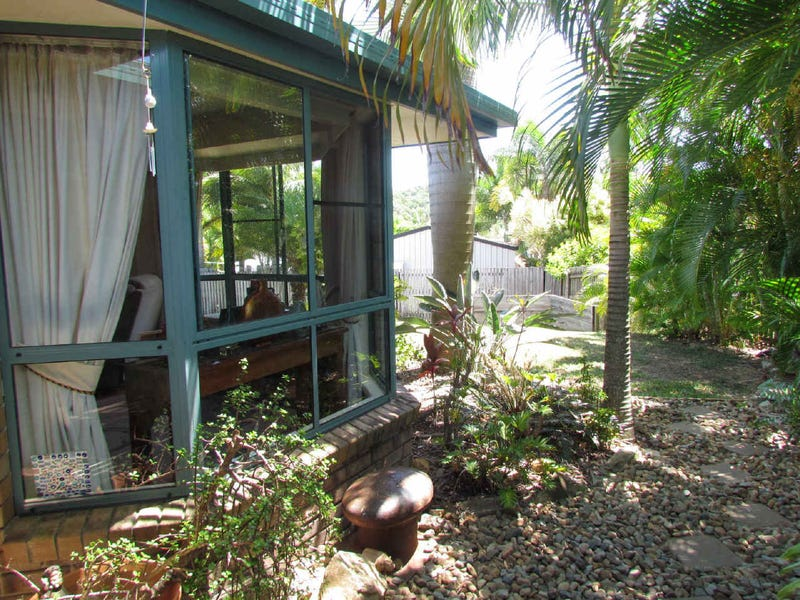18  The Quarterdeck, Blacks Beach, Qld 4740