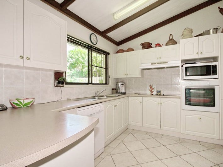 4 Bindo Place, Manly West, Qld 4179