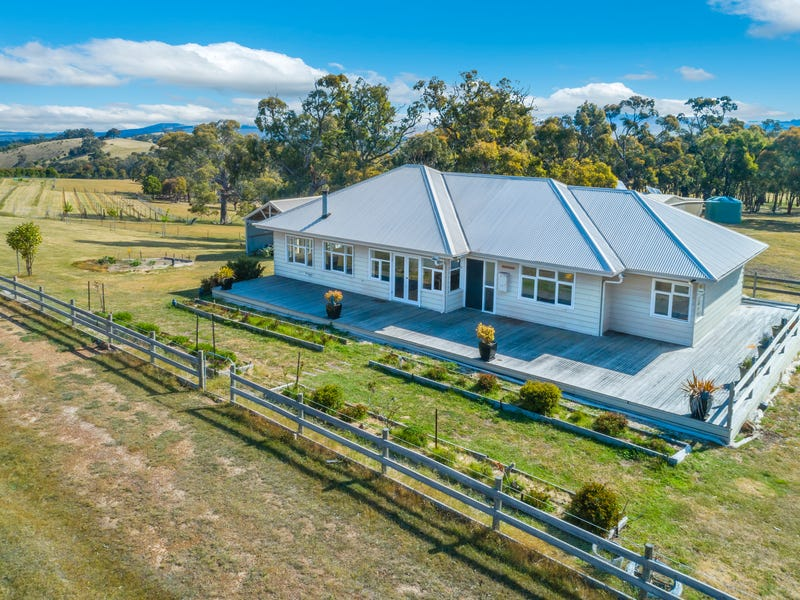 140 Split Staff Gully Road, Willowmavin, Vic 3764