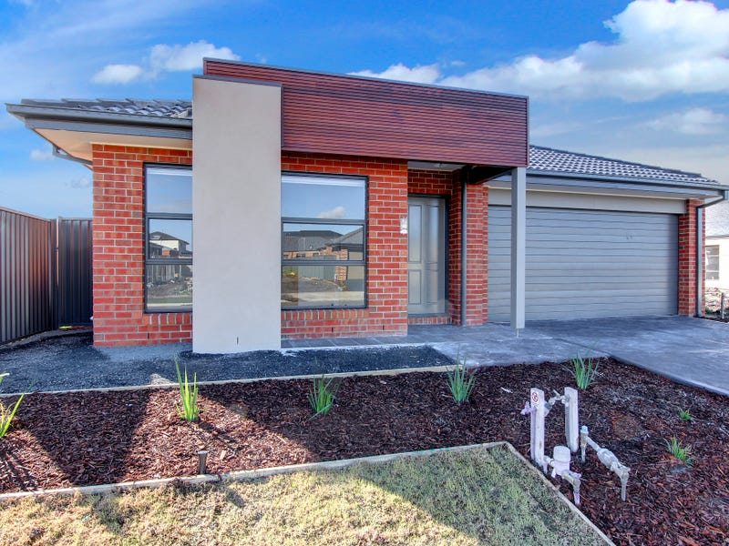 38 Quattro Avenue, Cranbourne East