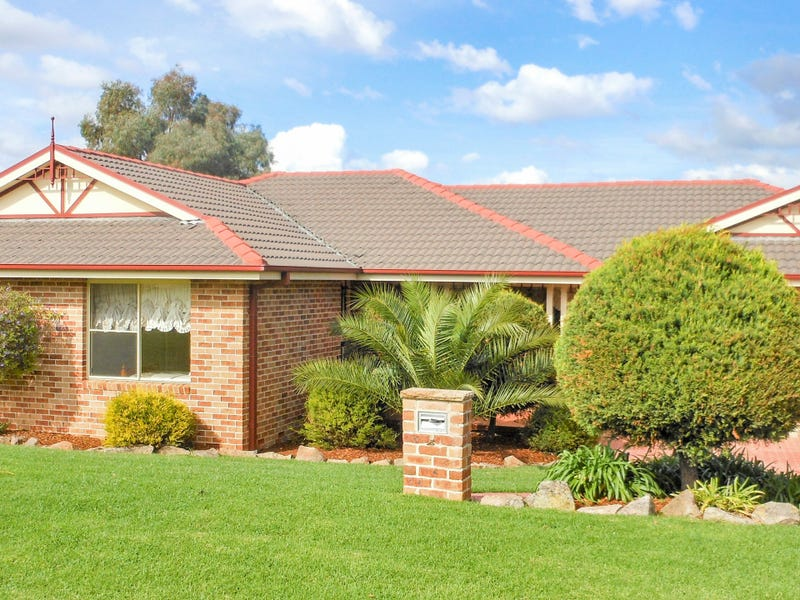 4 Tadros Avenue, Young, NSW 2594