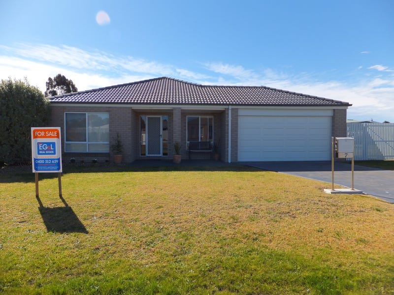 7 Lake Inlet Ave, Newlands Arm, Vic 3875