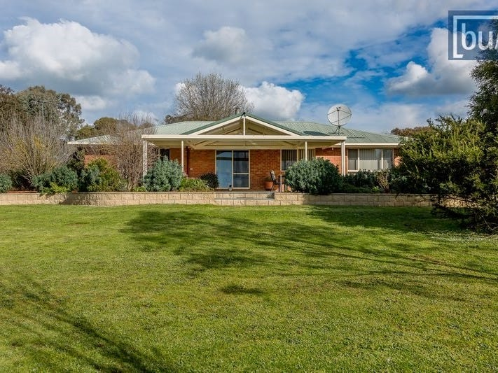33 Nyanza Road, Table Top, NSW 2640