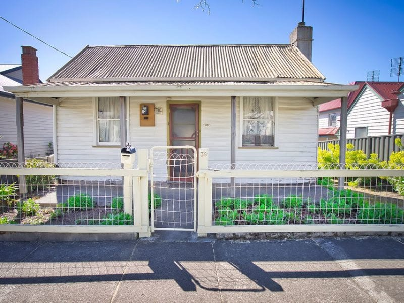 35 Queen Street South, Eureka, Vic 3350