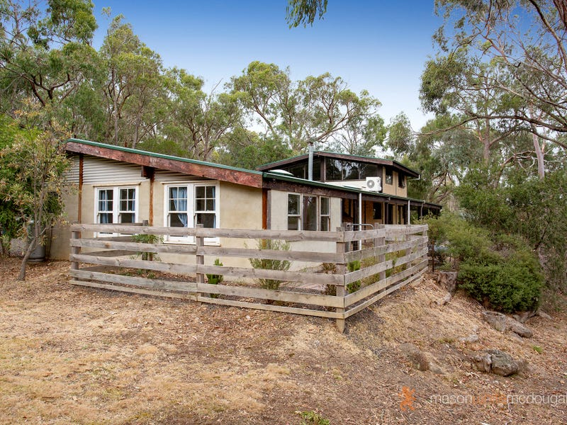 15 Wilma Grove, St Andrews, Vic 3761