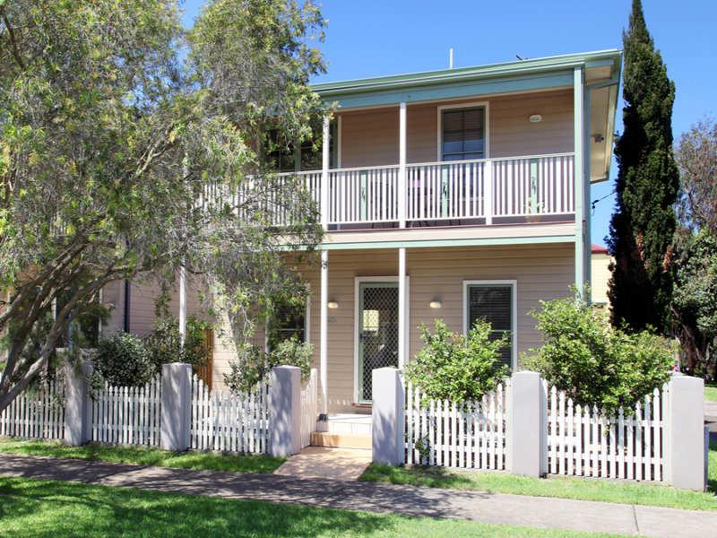 40c Gipps, Carrington, NSW 2324