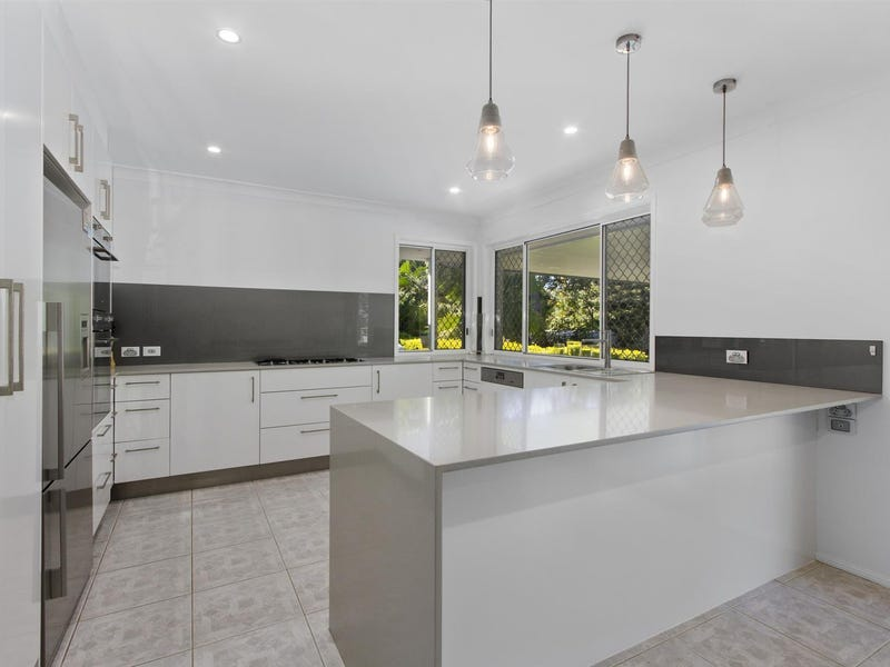 39 Clarence Drive, Helensvale, Qld 4212