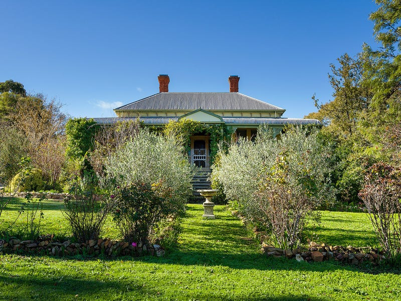 22 Blakeley Road, Castlemaine, Vic 3450