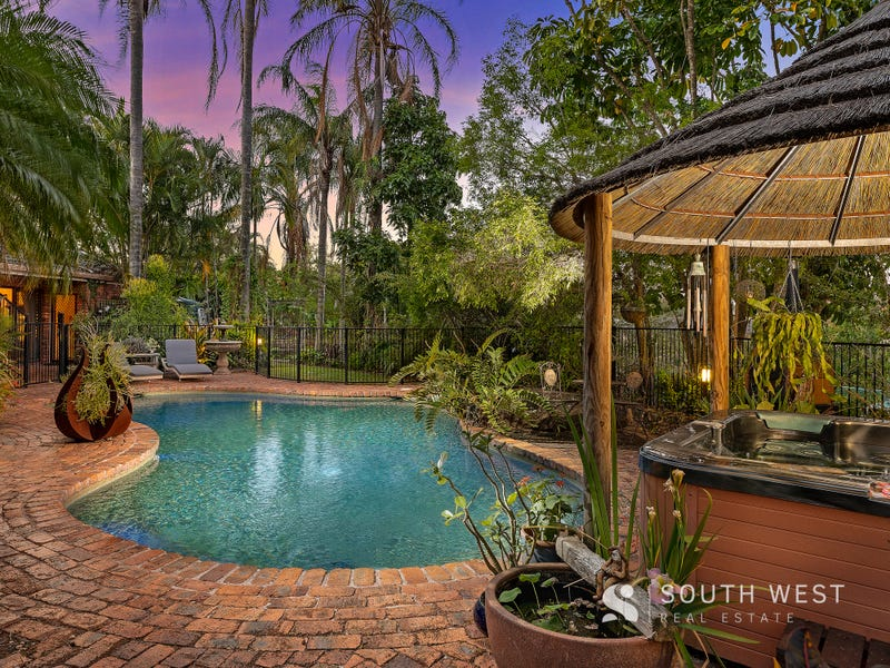 5 Hume Court, Mount Ommaney, Qld 4074