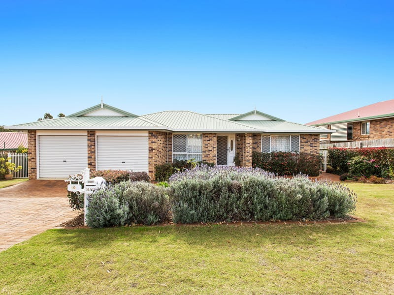19 Carnation Court, Middle Ridge, Qld 4350