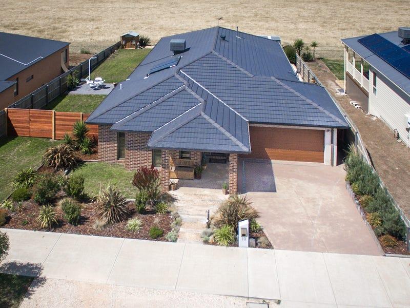 10 Tasman Road, Gisborne, Vic 3437