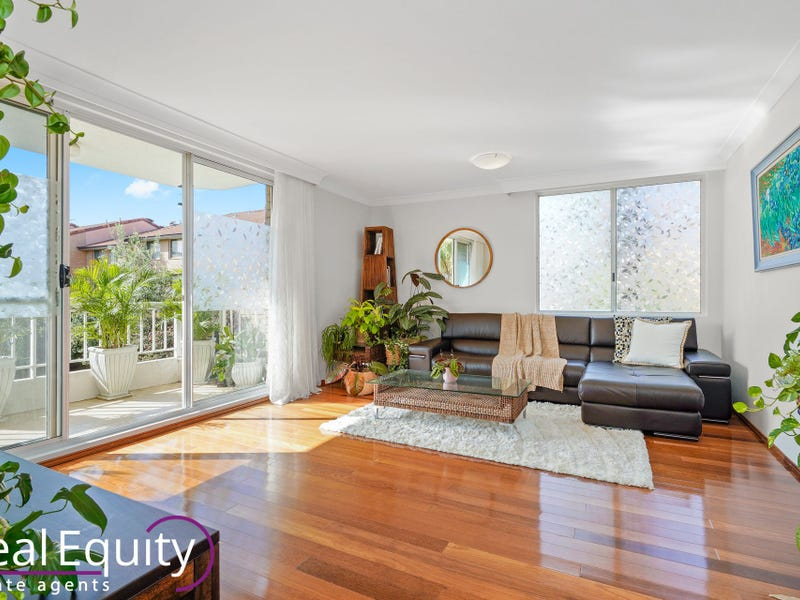 30/8 Mead Drive, Chipping Norton, NSW 2170