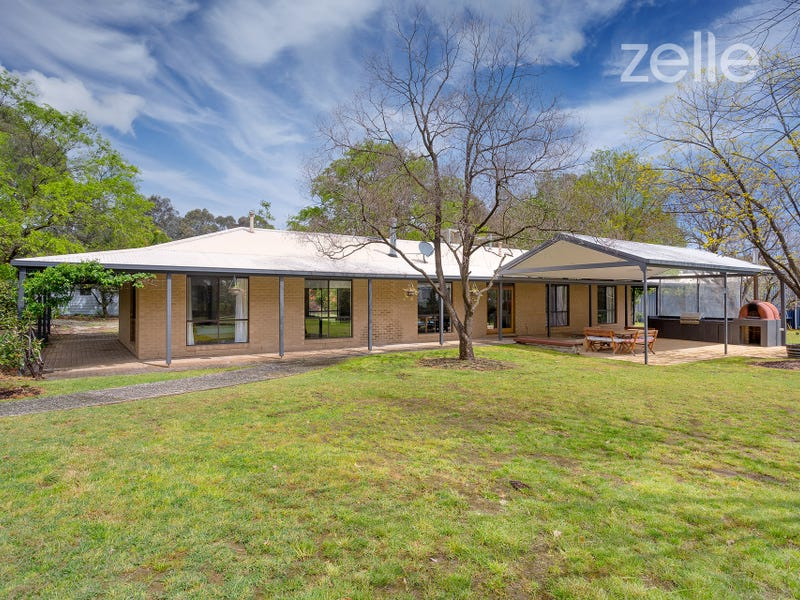 15 Finlay Road, Thurgoona, NSW 2640
