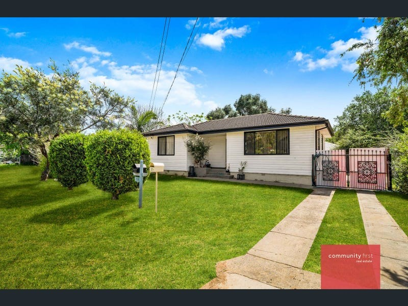 33 Nicholls Street, Warwick Farm, NSW 2170