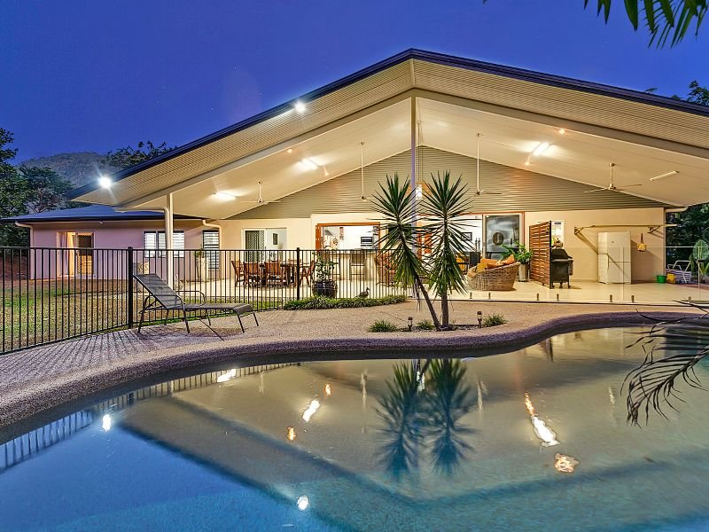 34-36 Runneymede Avenue, Redlynch, Qld 4870