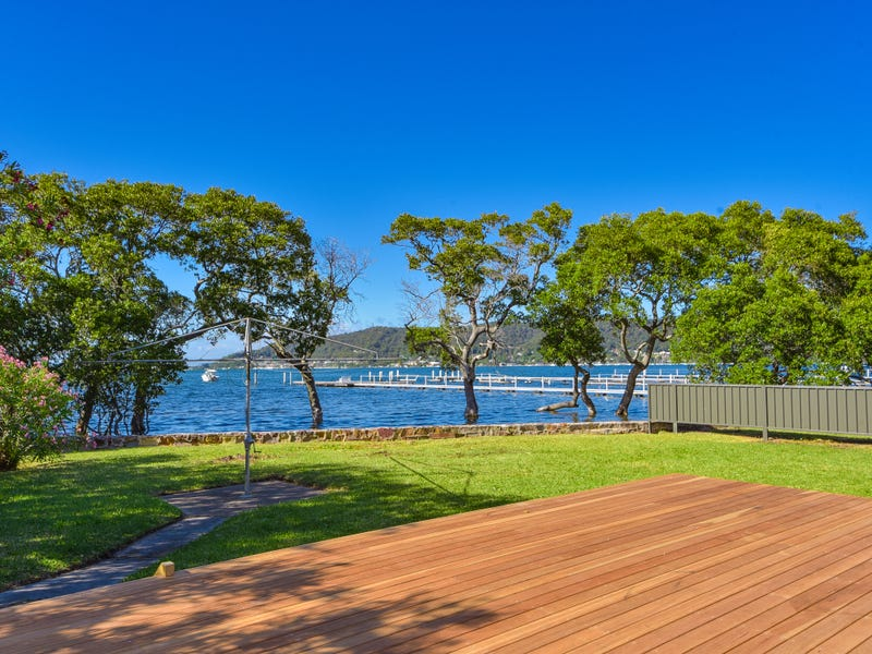 19 Noonan Point Avenue, Point Clare, NSW 2250