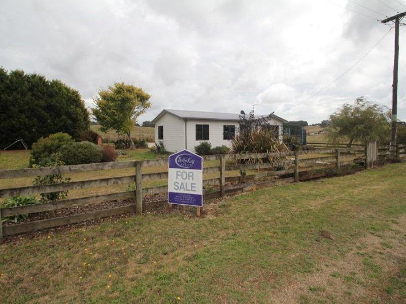 8 Grooms Cross Road, Irishtown, Tas 7330