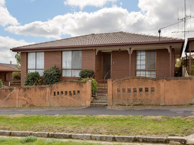 2/23 Campbell Street, Castlemaine, Vic 3450