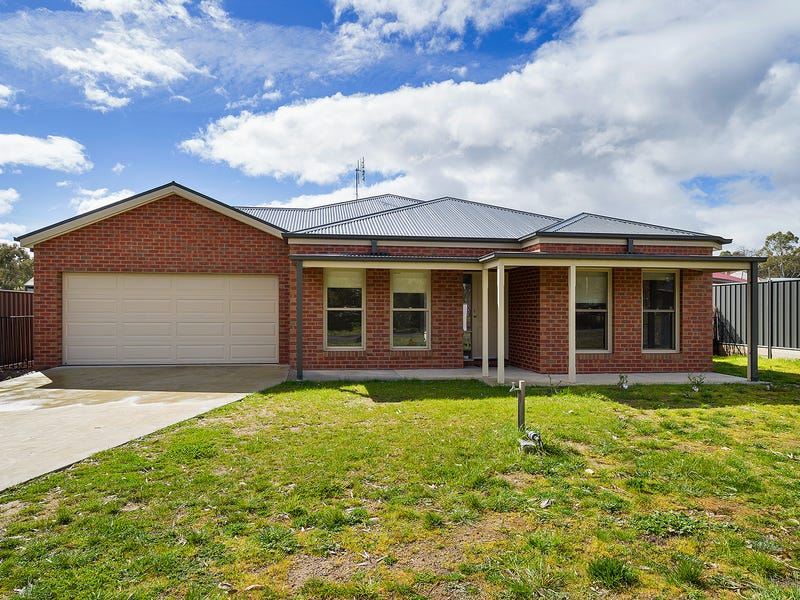 2B Warren Street, Harcourt, Vic 3453